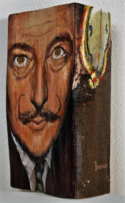Salvador Dali, 2014, Acryl auf Holzscheit, ca. 15 X 25 X 10 cm
