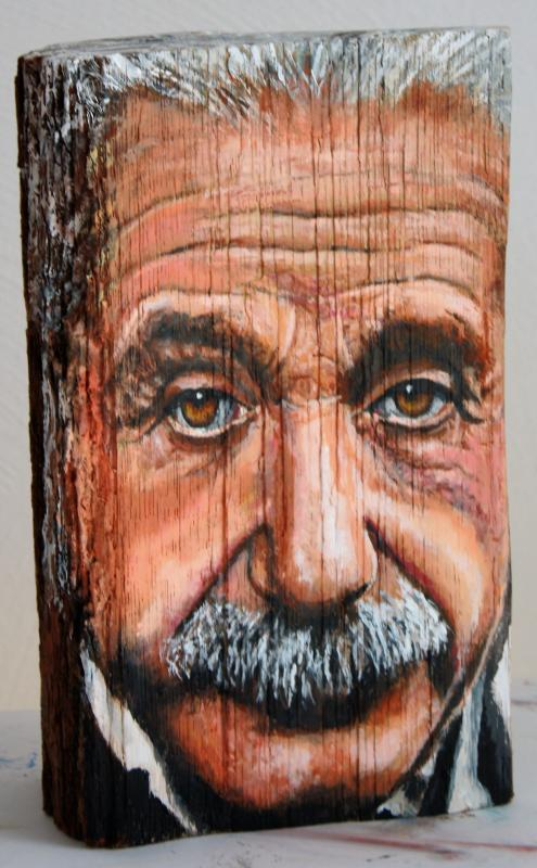 Albert Einstein, 2014, Acryl auf Holzscheit, ca. 15 X 25 X 10 cm